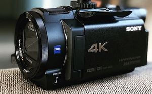 Sony FDR-AX33 4K Camcorder with HVL-LEIR1 for Sale in Hesperia, CA