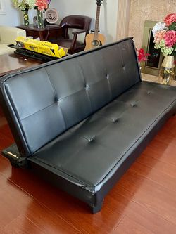 Black Leather Futon Couch for Sale in Cerritos,  CA