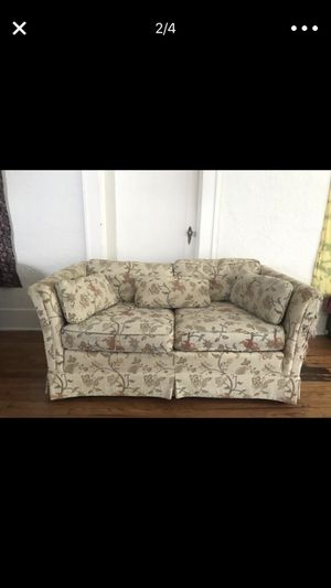 Free loveseat couch for Sale in Tampa, FL