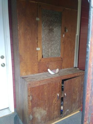 Antique gun cabinet from early 1900's for Sale in Enon Valley, PA
