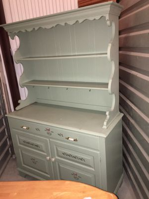Antique china cabinet for Sale in North Las Vegas, NV