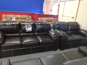 KISER CAPPUCCINO SOFA AND LOVESEAT ONLY $699! for Sale in Fort Wayne, IN