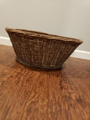 Wicker Basket for Sale in Ontarioville, IL