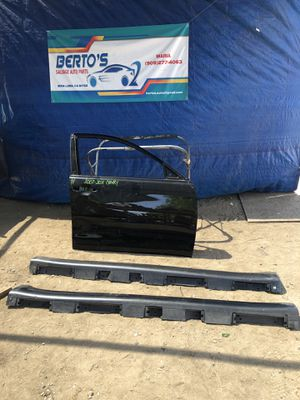 2007-2011 Toyota Camry Passenger Front Door Shell and Skirts for Sale in Jurupa Valley, CA