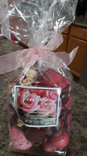 Vintage Rose Potpourri for Sale in Laveen Village, AZ