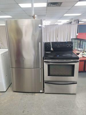 Electric stove and fridge for Sale in Aurora, IL