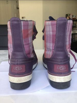 UGG boots size 7 purple for Sale in Oceanside, CA