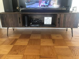 Tv stand for Sale in Bronxville, NY