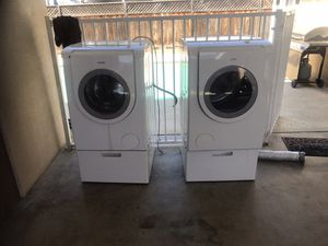Selling as a set BOSCH Washer and Dryer work good just bought new ones 250.00 firm for Sale in Kingsburg, CA