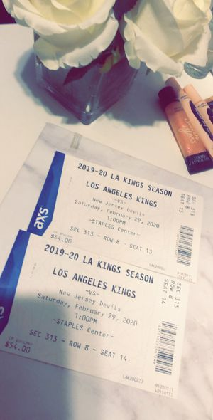 Tickets to Los Angeles kings vs New Jersey devils for Sale in Los Angeles, CA