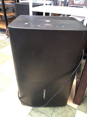 PREOWNED GE 45 PINT ENERGY DEHUMIDIFIER for Sale in Dallas, TX