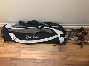 Walter Hagen Golf bag with Clubs for Sale in Austell, GA