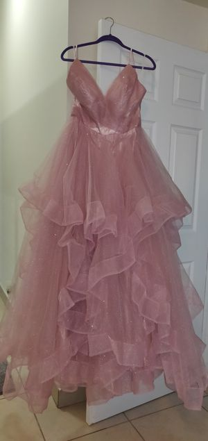 Glitter Tulle V-Neck Ball Gown / Prom Dress. Size 12 for Sale in Deerfield Beach, FL