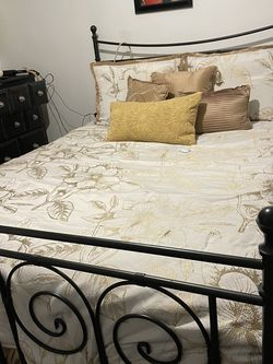Queen Sized Black Metal Bed for Sale in Whittier,  CA