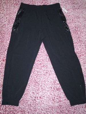 NWT! Victoria Secret Victoria Sport Athleisure Pants Size LARGE for Sale in Victoria, TX