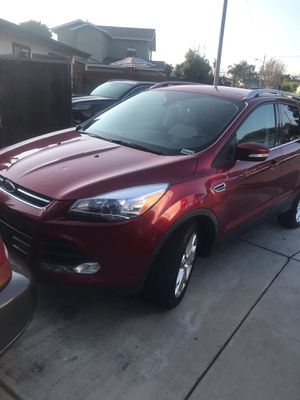 2015 Ford Escape Titanium Crossover 4WD with 54,500 miles for Sale in Costa Mesa, CA