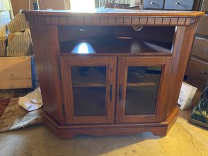 Corner TV stand for Sale in Tehachapi, CA