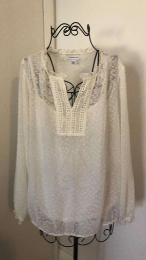 Woman blouse size L for Sale in Orlando, FL