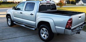 VeryNice 2005 Toyota Tacoma 4WDWheels Automatic for Sale in Toledo, OH