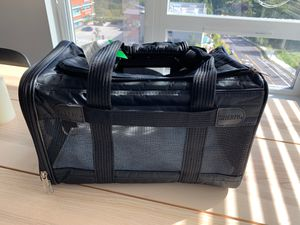 Sherpa TSA Approved Dog Carrier - Up to 15 lbs for Sale in Redmond, WA
