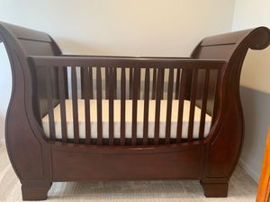 Pottery Barn Crib and Changing table for Sale in Jupiter, FL
