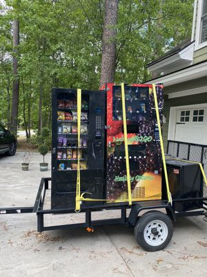 Snack machine and combo snack and drink vending machine. for Sale in Richmond Hill, GA