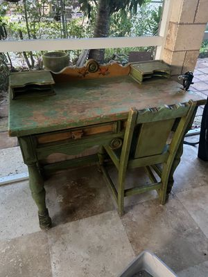 Brand new desk top and chair antique wooden varnished for Sale in Miami, FL