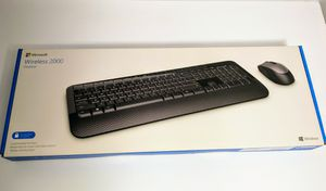 Microsoft Wireless 2000 Desktop Encryption Keyboard & Mouse. for Sale in Strongsville, OH
