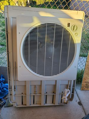 ONE DAY PRICE REDUCTION BONIAR Swamp Cooler W/Remote Cools 1900 sq ft home in excellent condition,GREAT Energy Saver Water Filter,REMOTE for Sale in Colton, CA