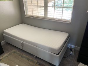 Twin bed with adjustable frame( used ) for Sale in Orlando, FL