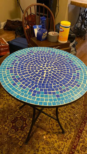 Cute Mosaic Tile Cafe Table for Sale in Bordentown, NJ