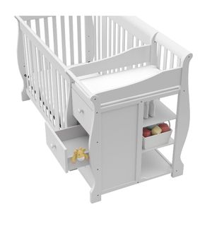 White crib with drawers for Sale in Darby, PA