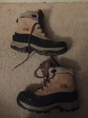 The North Face Water Proof Boot Size 11 for Sale in Las Vegas, NV