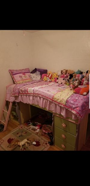 Twin Size girls bedroom set for Sale in Fresno, CA