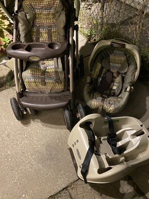 Graco travel system 3 pc. Stroller car seat and car seat base for Sale in IND HEAD PARK, IL