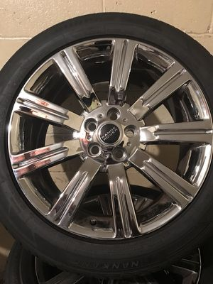 20 inch brand new Range Rover tires and rims price 1500 for Sale in Pittsburgh, PA