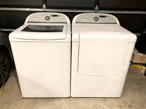 Nice Whirlpool Cabrio XL Capacity Washer & Electric Dryer for Sale in Renton, WA