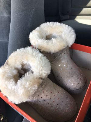 toddler girl boots for Sale in Waterbury, CT