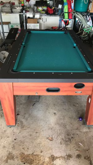 Perfect condition used pool table / air hockey. Comes with accessories. for Sale in Saint Paul, MN