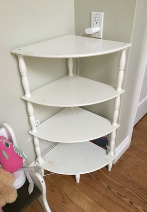 Small corner shelf / bookcase for Sale in La Mesa, CA