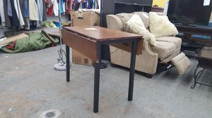 Small breakfast table with end leaf for Sale in Chicago, IL