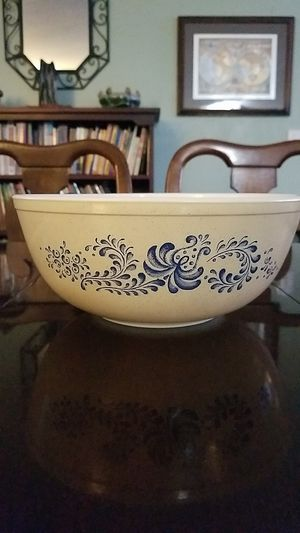 Vintage 1970's pyrex 4qt for Sale in Vancouver, WA