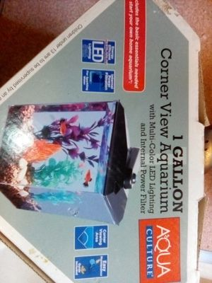 Corner view aquarium 1 gallon for Sale in Yucaipa, CA
