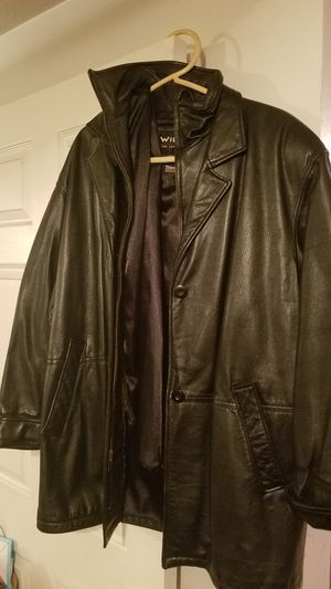 Womens small leather 3/4 length with zip out insulate for Sale in Pittsburgh, PA