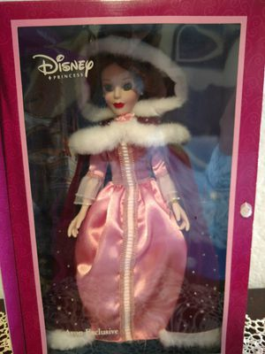 Nib Disney porcelain doll 14 inch for Sale in Parker, CO