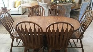 OAK DINNING TABLE W 6 CHAIRS for Sale in Peoria, AZ