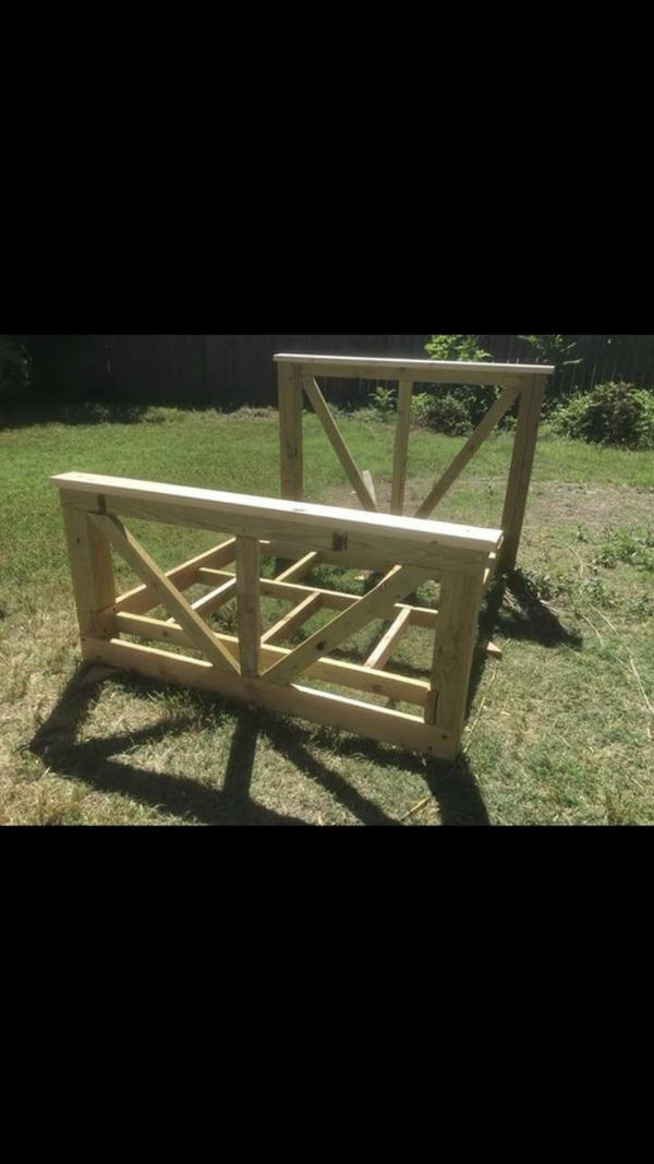 Costume bed frame queen size
