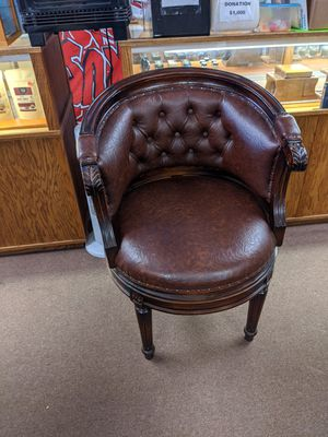 Leather chair for Sale in Sunriver, OR