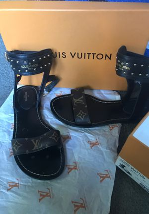 Auth Louis Vuitton sandals size 39 for Sale in Columbus, OH