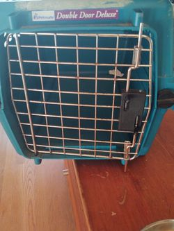 Cat / Small Dog Pet Carrier for Sale in Portland,  OR